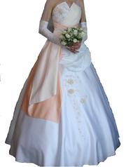 Продам  або здам на прокат  весільну сукню у відмінному стані