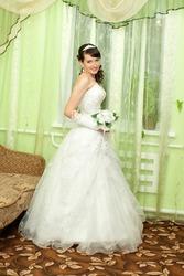 продаю весільну сукню