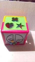 Кубик сортер Battat Lite Умный куб 12 форм